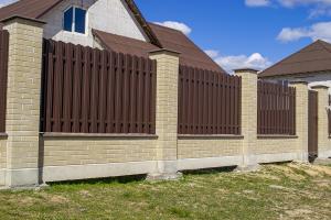 Забор Brick House